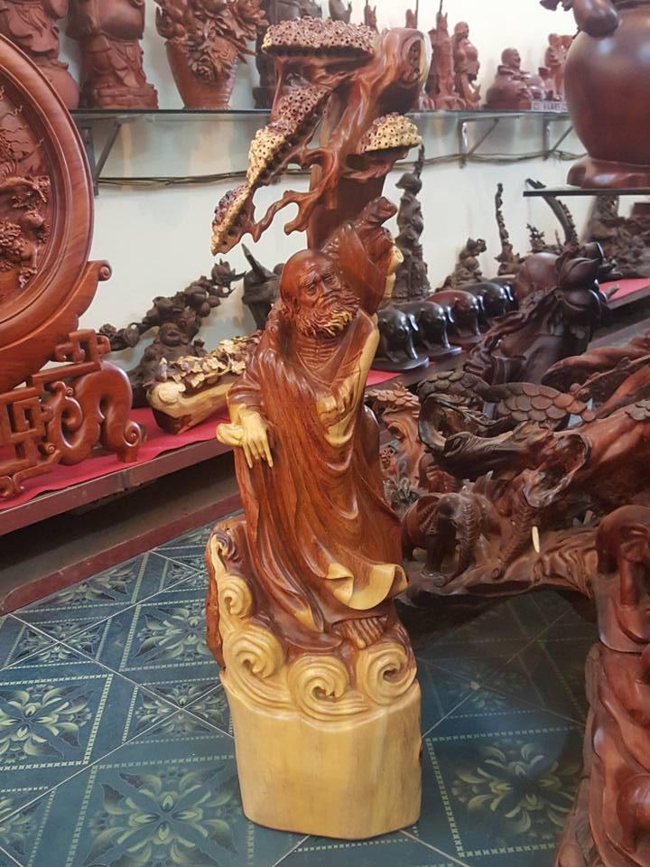 Tượng Đạt Ma gỗ hương 115x36x24cm