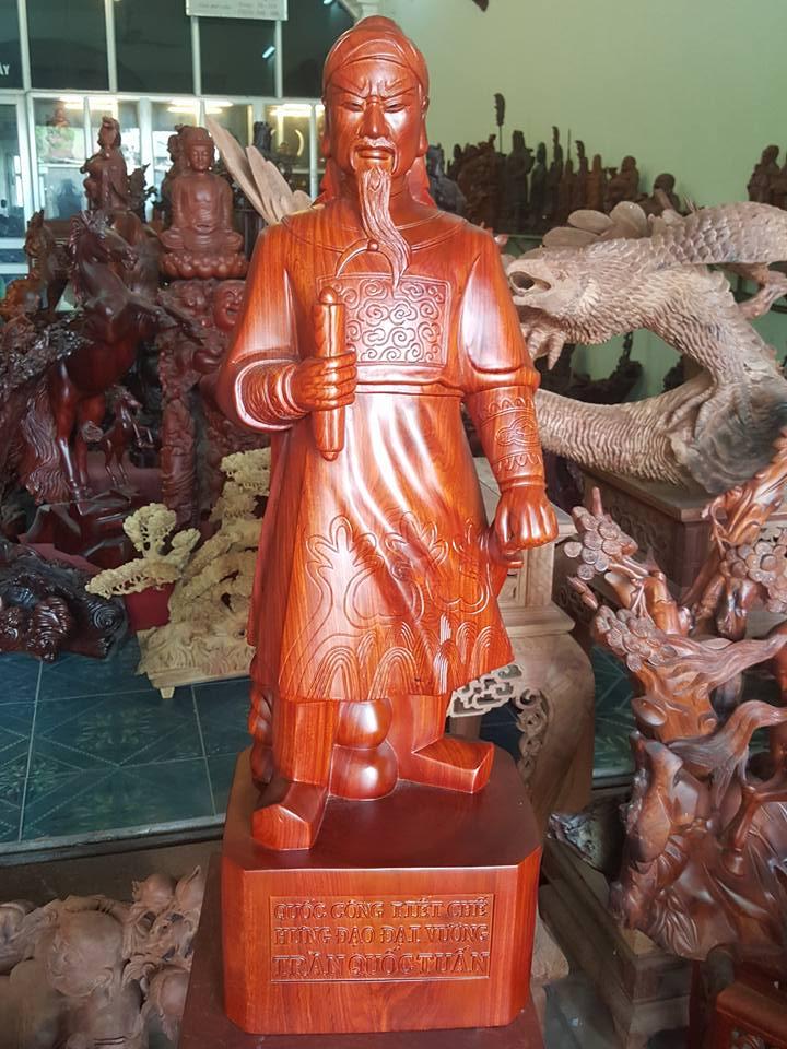 Tượng Trần Hưng Đạo - Trần Quốc Tuấn gỗ hương 80x26x22cm