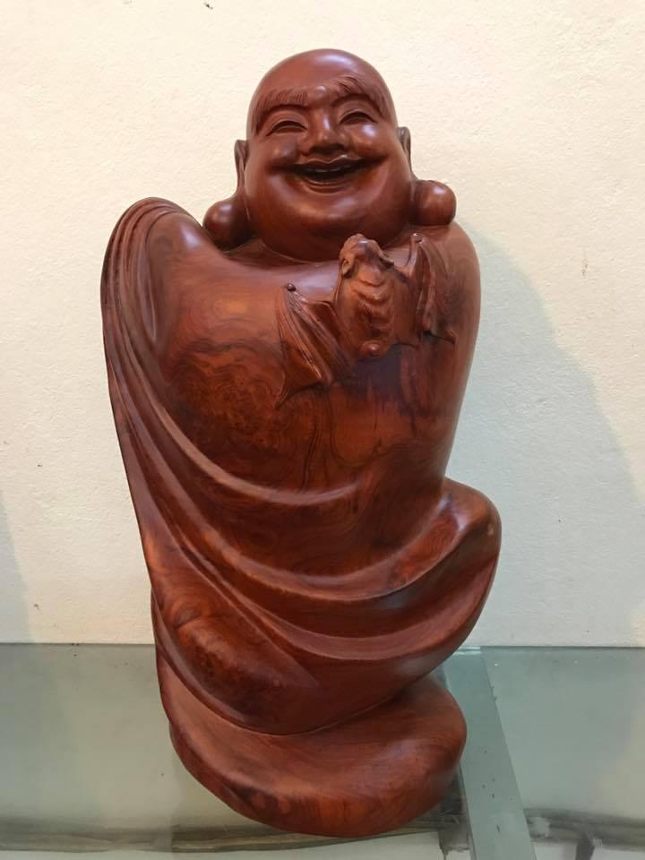 Tượng Di Lặc chúc phúc gỗ hương có nu 50x28x22cm