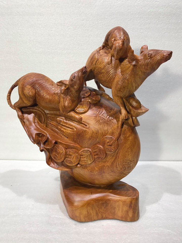 Gia đình chuột tiền vàng gỗ hương 50x41x25cm