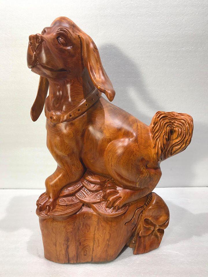 Chó giữ bao tiền gỗ hương 60x48x26cm