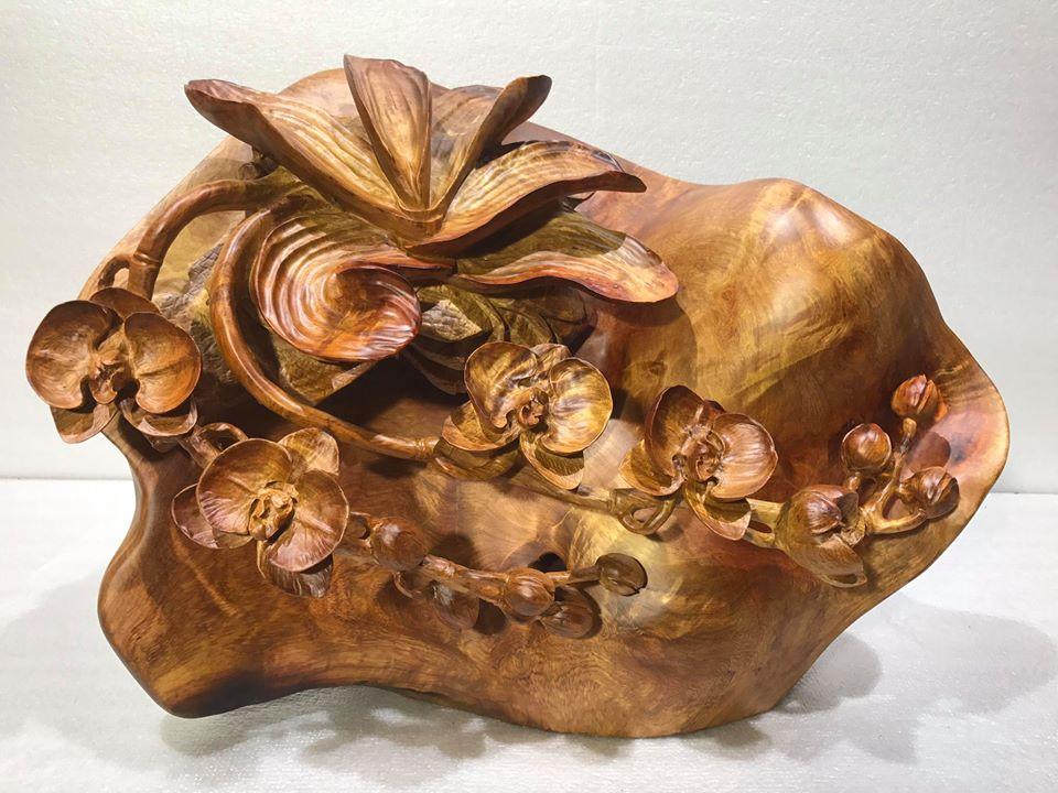 Hoa phong lan gỗ hương liền khối 40x50x35cm