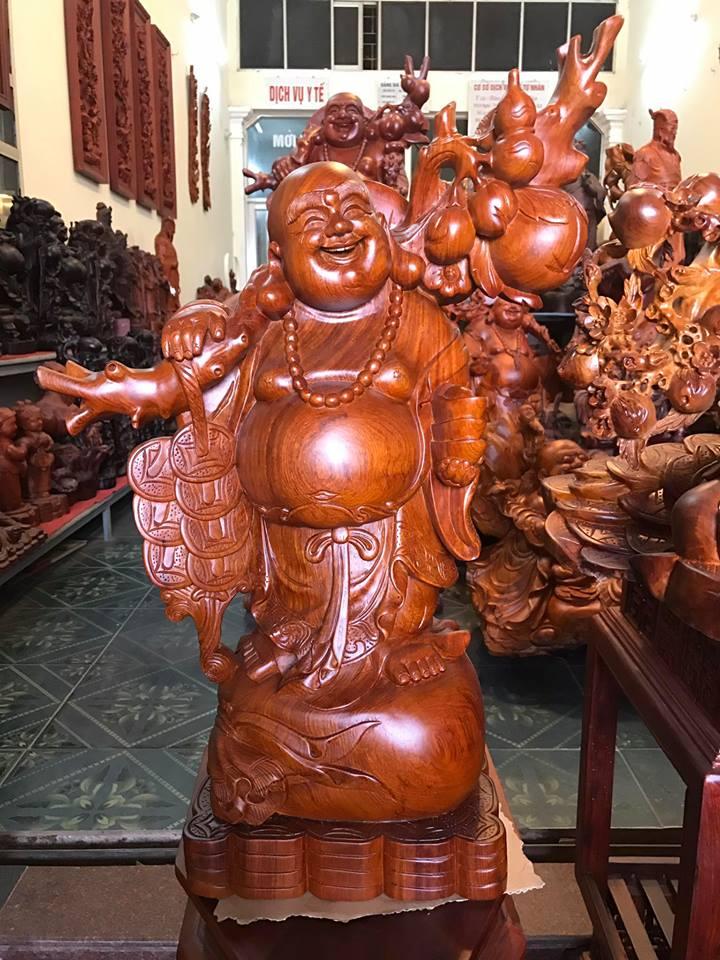 Tượng Di Lặc gánh tiền gỗ hương 73x27x21cm