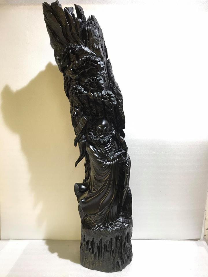 Tượng Đạt Ma gỗ mun sừng liền khối tuyệt đẹp 127x30x25cm