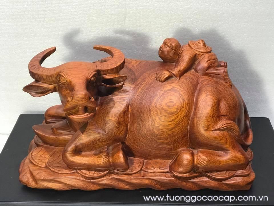 Tượng con trâu gỗ hương 22x42x22cm