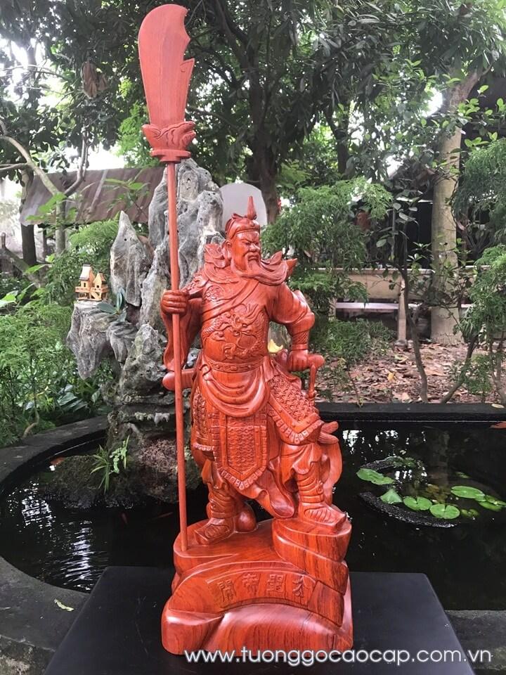 Tượng Quan Công trấn ải gỗ hương 60x26x18cm