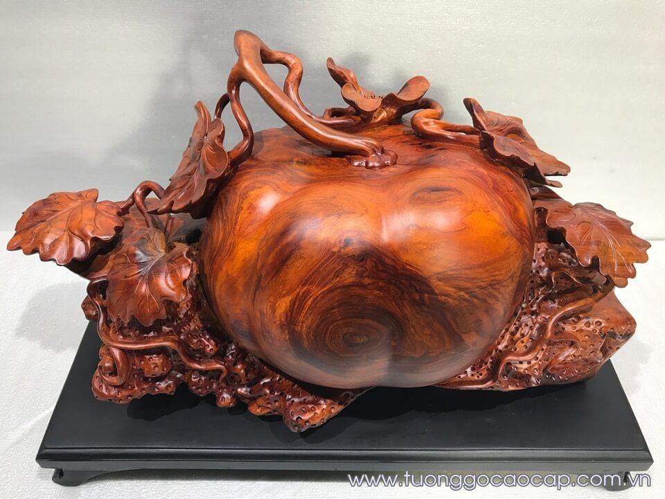 Bí ngô phong thủy gỗ hương 30x56x25cm
