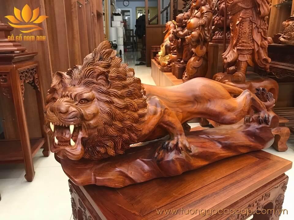Tượng Sư Tử gỗ hương liền khối siêu đẹp 40x76x30cm