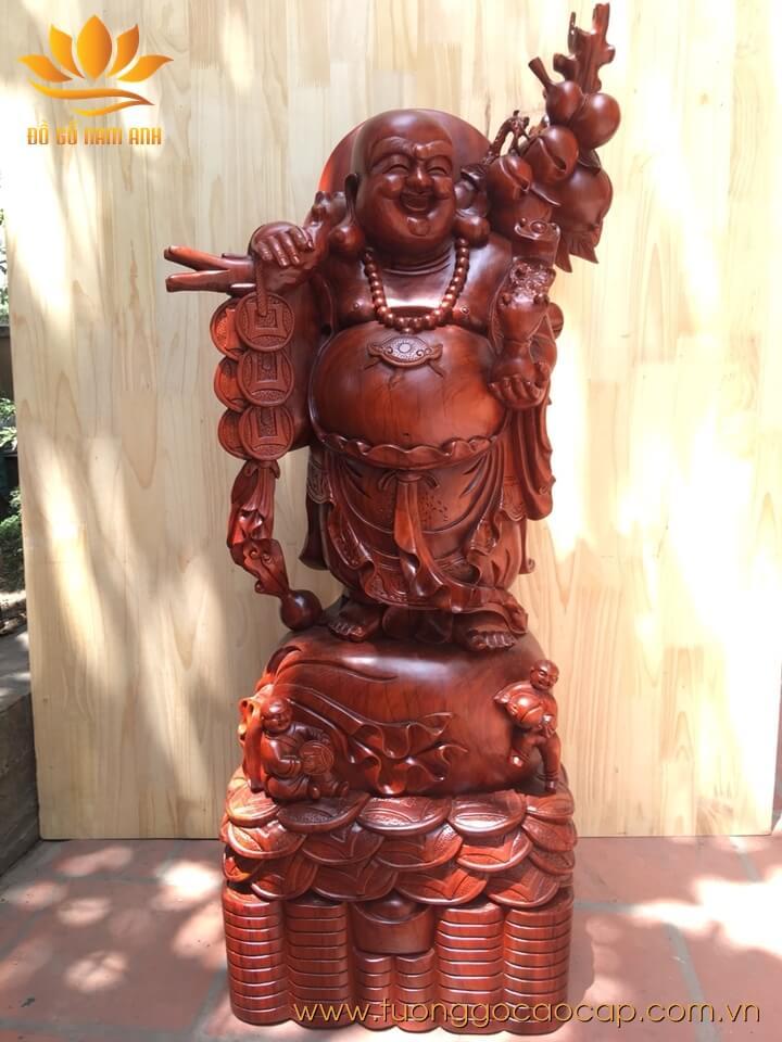 Tượng Di Lặc gánh đào gỗ hương 120x60x35cm