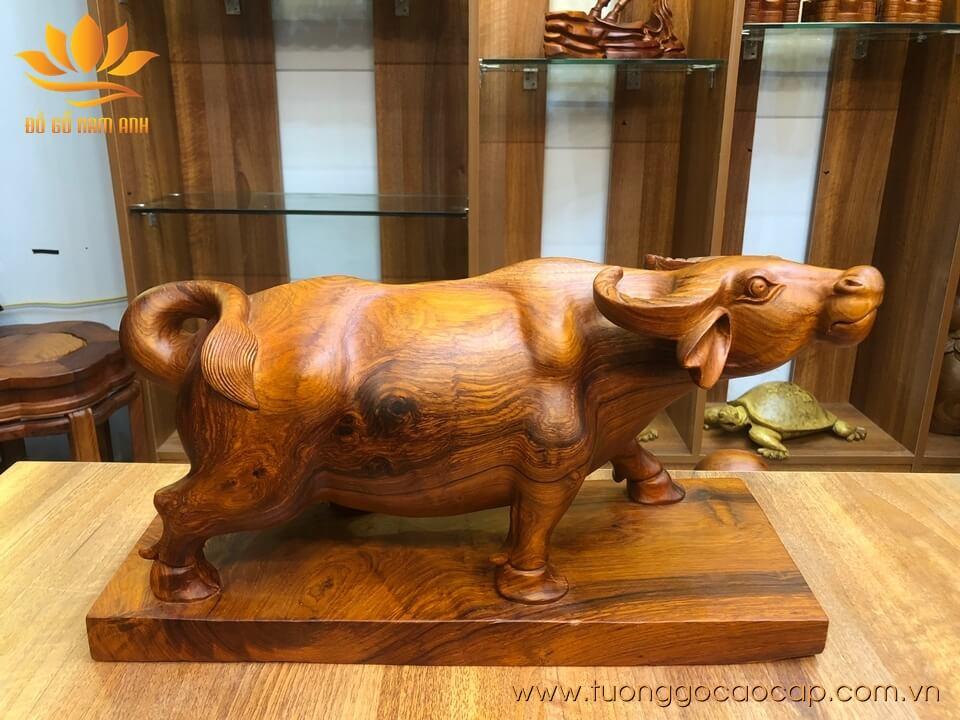 Tượng Trâu đứng gỗ hương 44x24x17cm