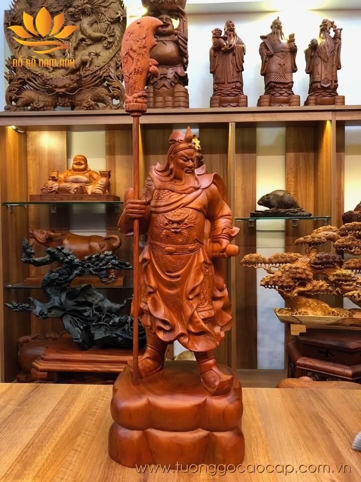 Tượng Quan Công chống đao gỗ hương liền khối  60x25x20cm