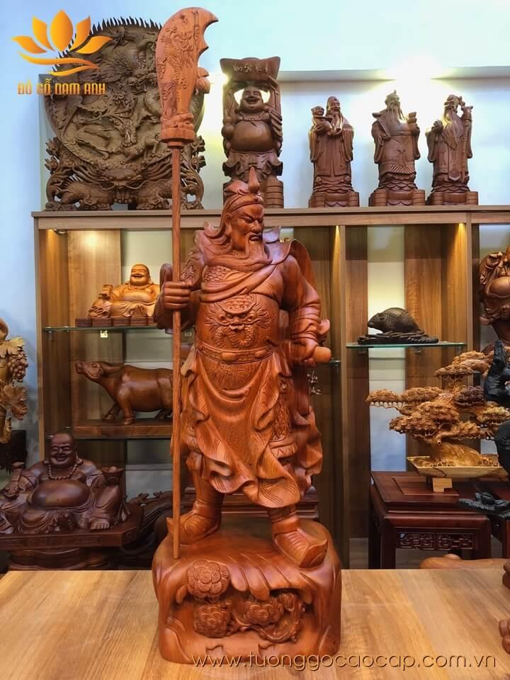 Tượng Quan Công chống đao gỗ hương liền khối 80x31x24cm