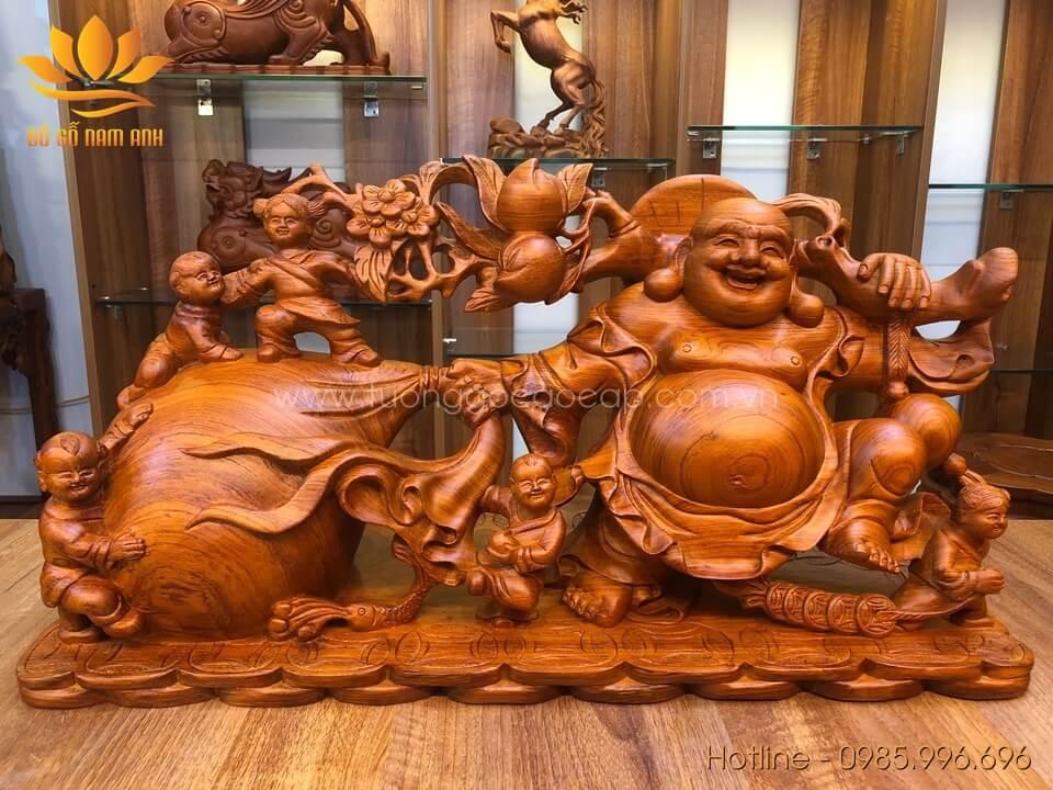 Tượng Di Lặc ngũ phúc kéo bao gỗ hương liền khối 34x68x24cm