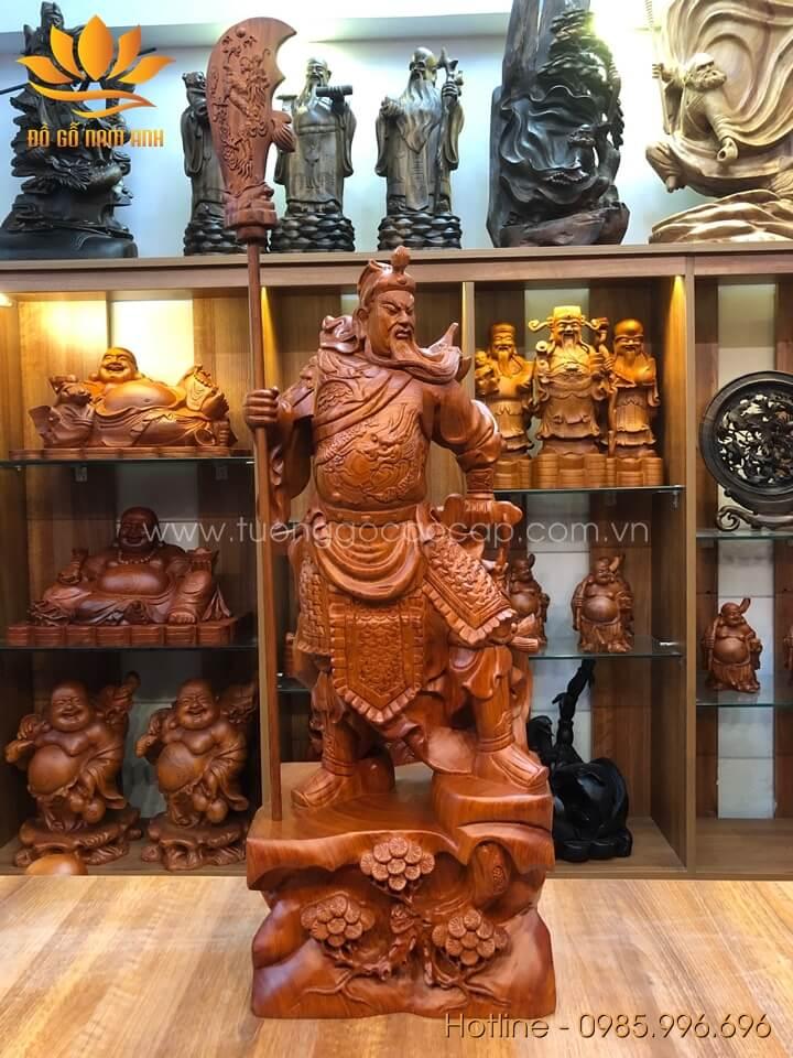 Tượng Quan Công trấn ải gỗ hương liền khối 70x28x20cm