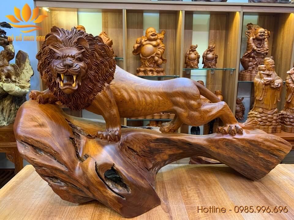 Tượng Sư Tử gỗ hương Gia Lai liền khối 58x100x42cm