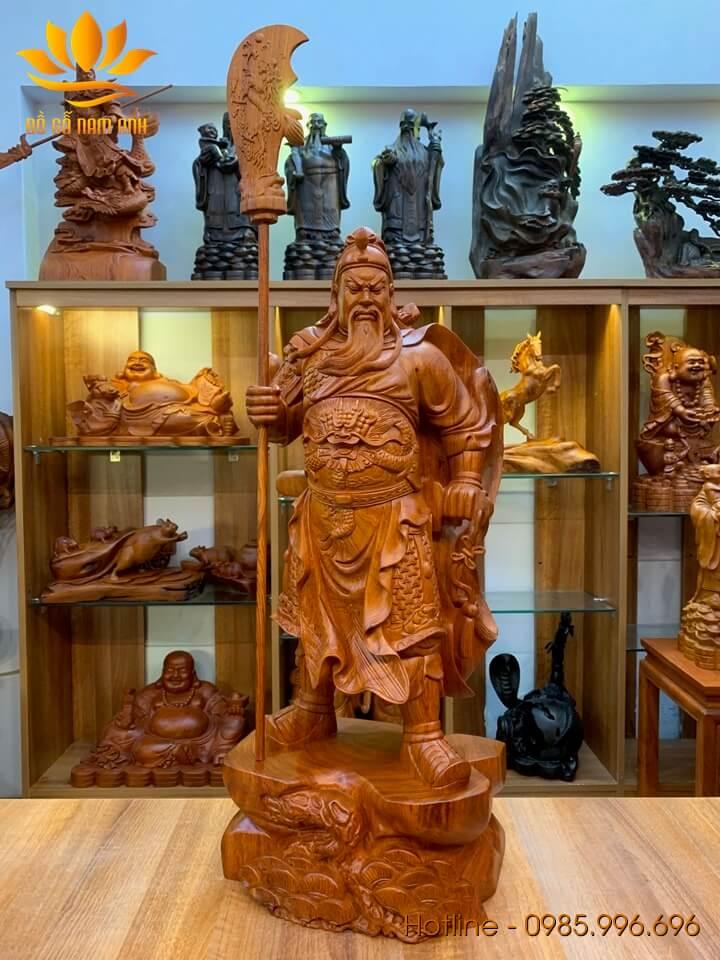 Tượng Quan Công chống đao gỗ hương liền khối 80x32x24cm