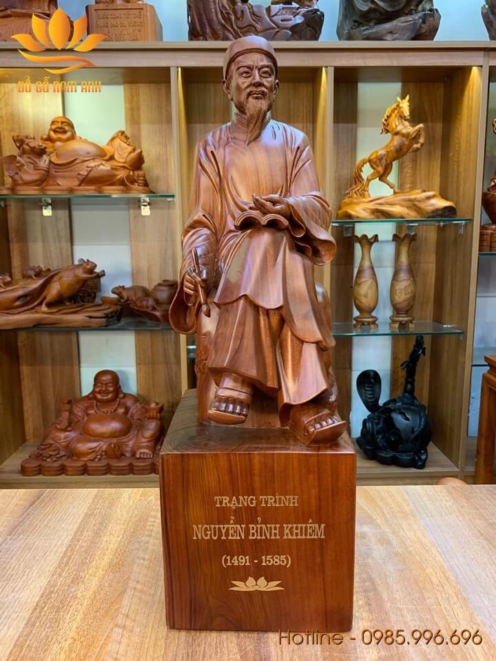 Tượng Nguyễn Bỉnh Khiêm (Trạng Trình) gỗ hương liền khối 60x19x23cm