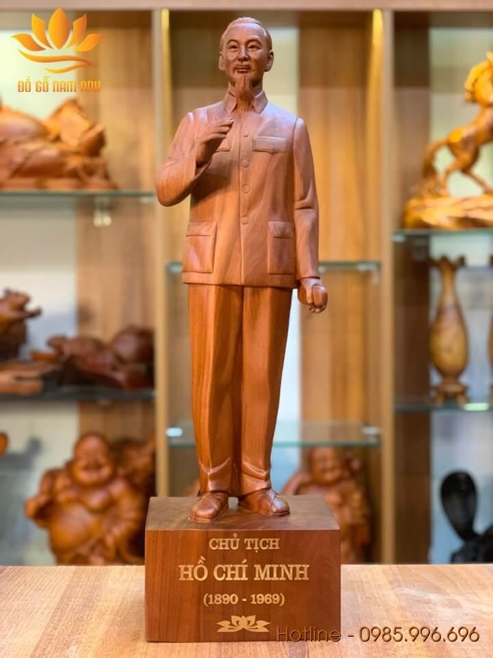 Tượng Chủ Tịch Hồ Chí Minh gỗ hương liền khối 60x18x14cm