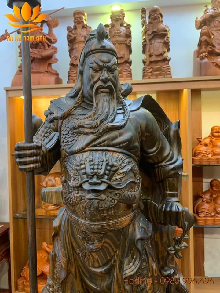 Tượng Quan Công chống đao gỗ mun hoa liền khối 80x31x21cm
