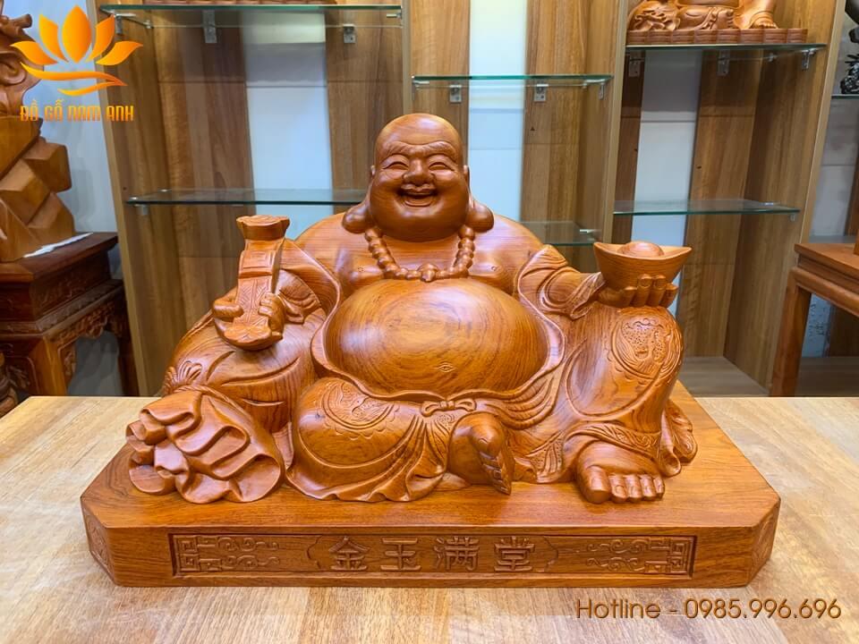 Tượng Di Lặc ngồi bưng vàng gỗ hương 30x50x28cm