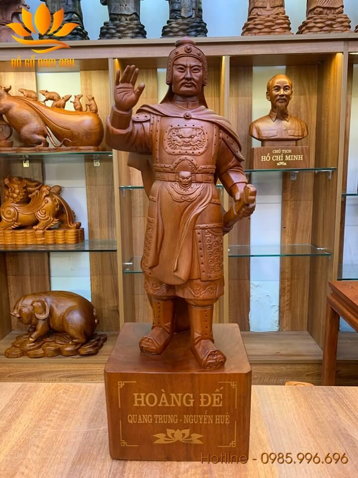 Tượng vua Quang Trung - Nguyễn Huệ gỗ hương liền khối 60x21x17cm