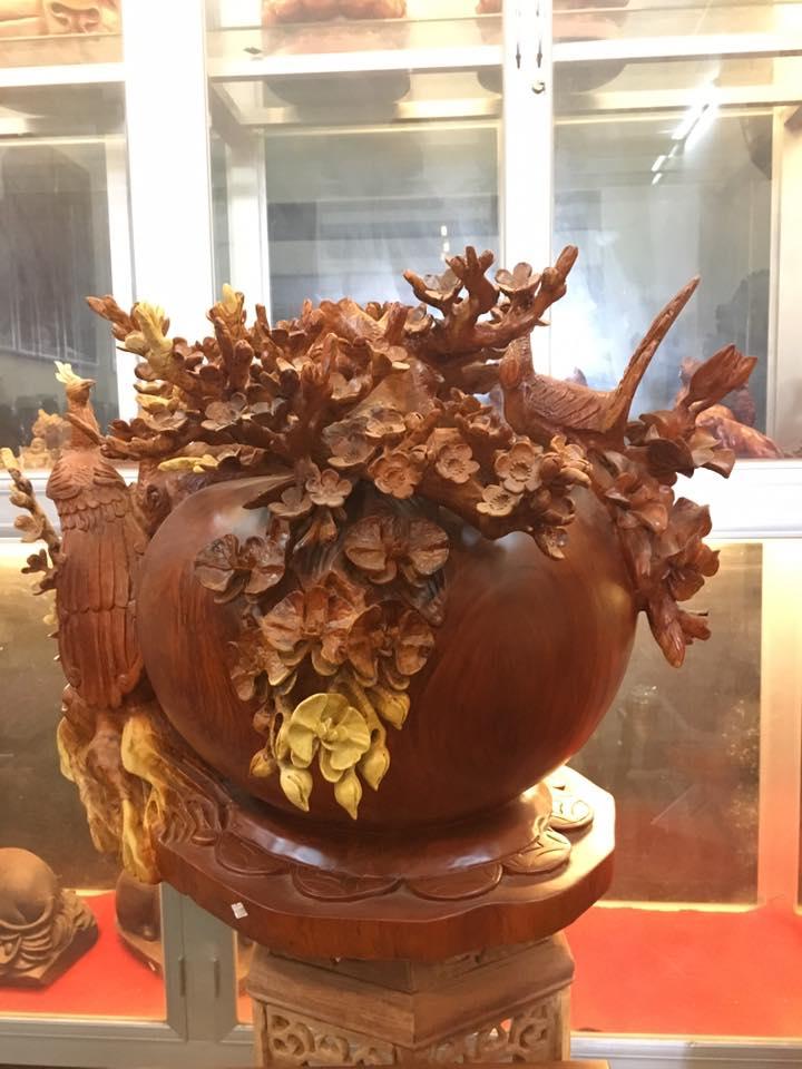 Bình hoa mai phú quý gỗ hương 60x60x60cm