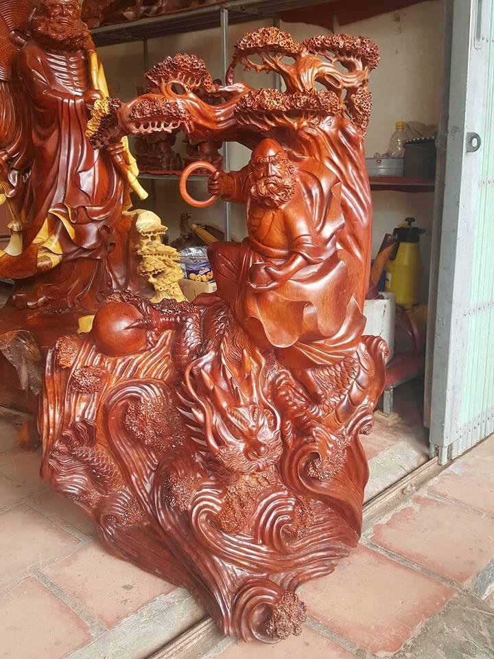 Tượng Đạt Ma cưỡi rồng gỗ hương 105x68x45cm