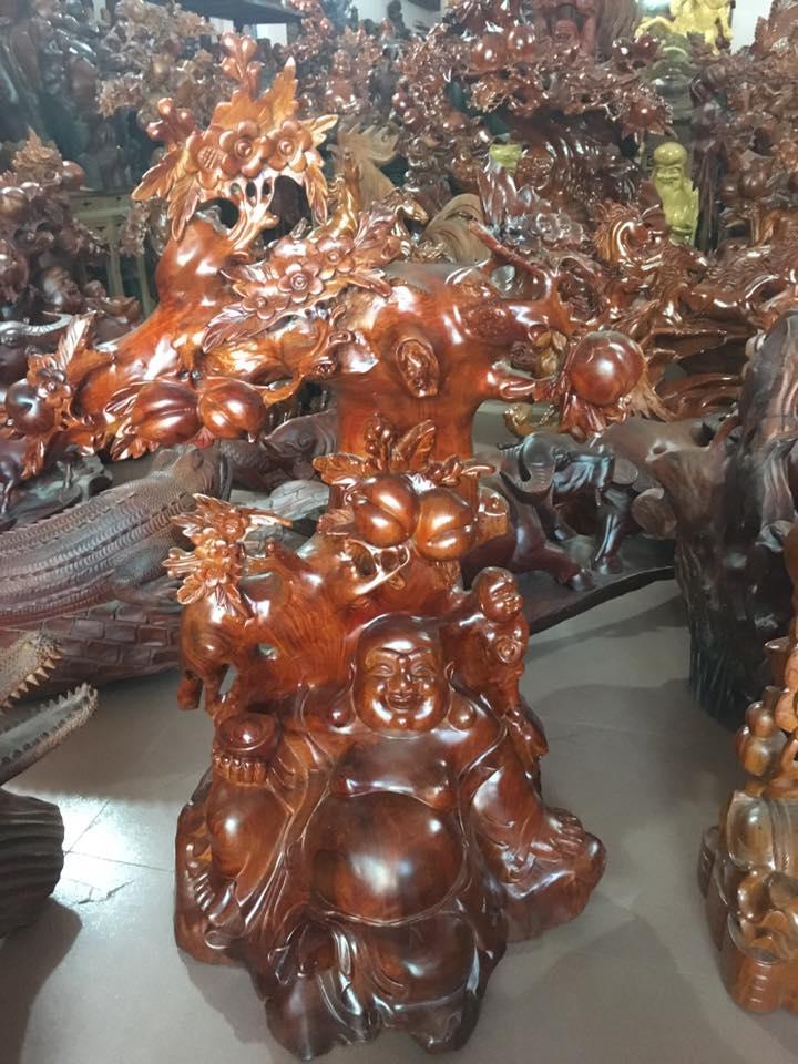 Tượng Di Lặc gốc đào gỗ hương 90x58x35cm