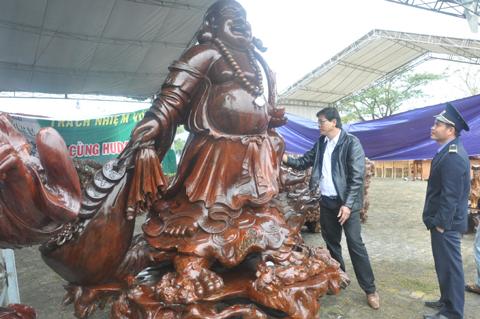 Tiết lộ 4 bức tượng gỗ đẹp nhất Việt Nam