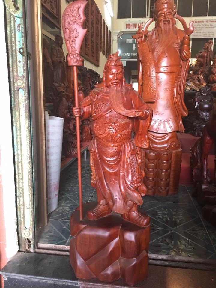 Tượng Quan Công gỗ hương 100x38x28cm