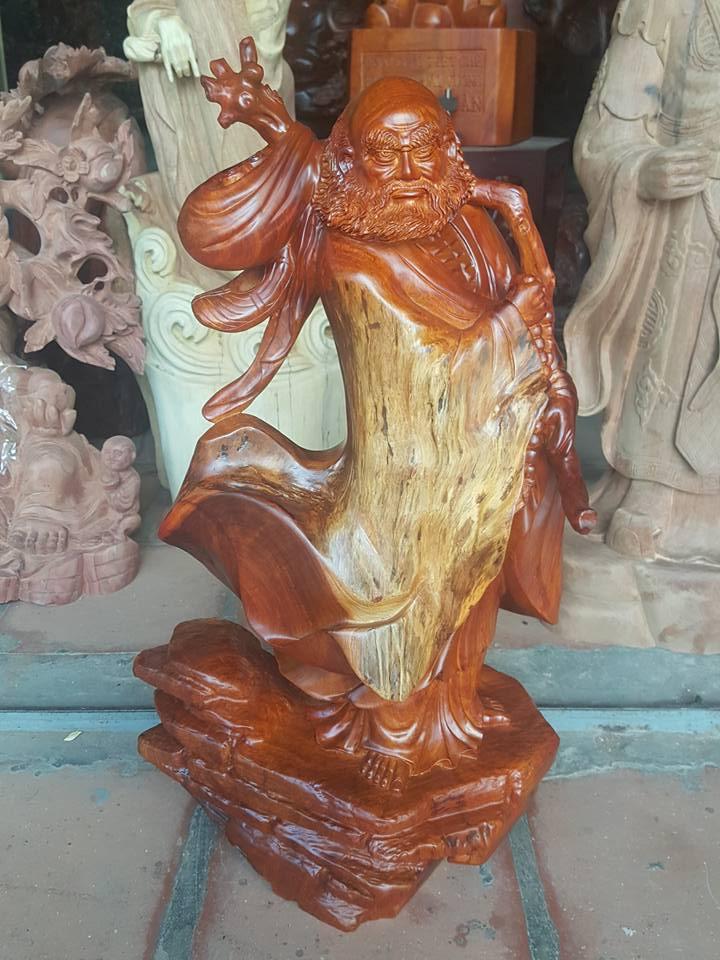Tượng Đạt Ma gỗ hương 64x32x20cm