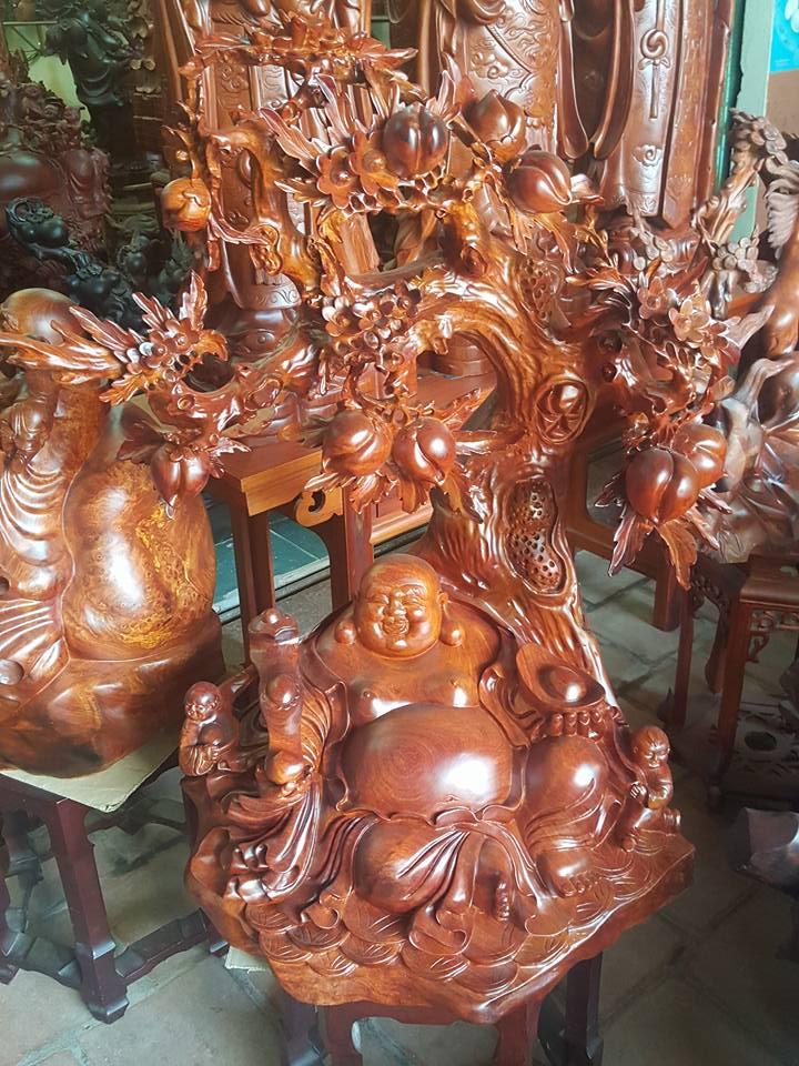 Tượng Di Lặc gốc đào gỗ hương 100x80x56cm