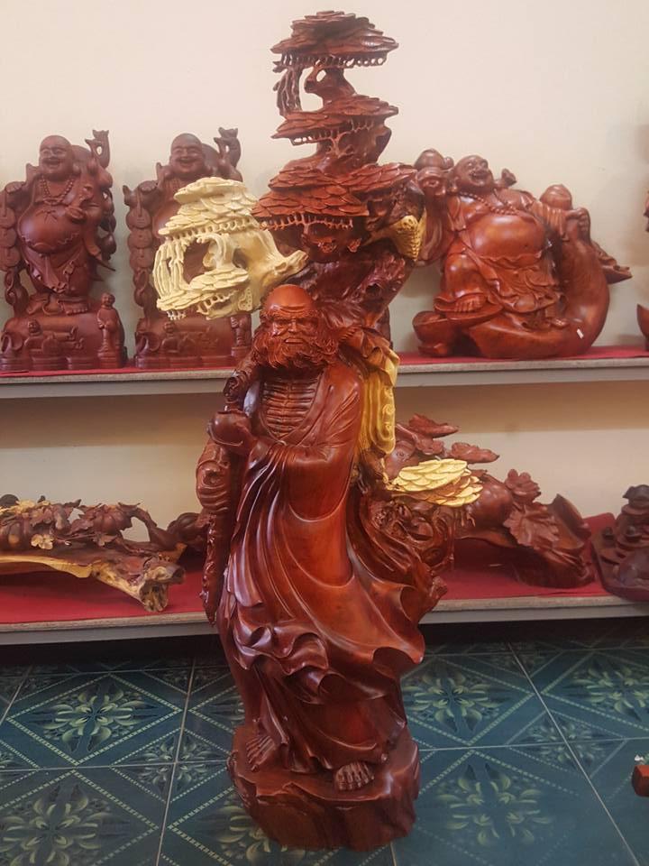 Tượng Đạt Ma gỗ hương 140x56x40cm